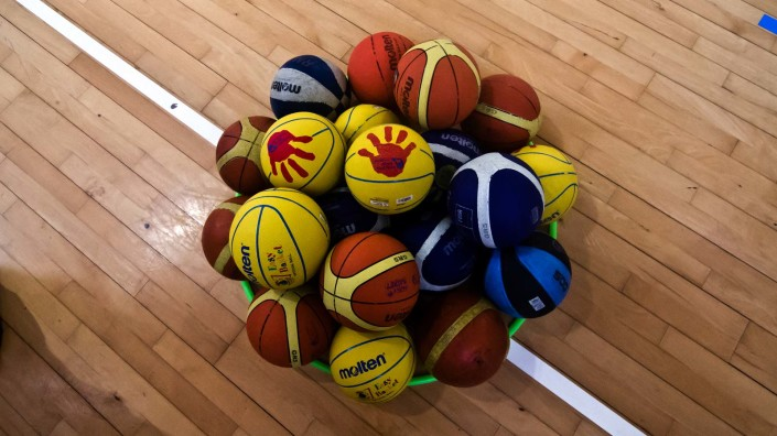 Novara Basket - il talento cresce con gioia